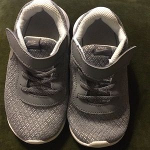 Nike Grey mesh little girl sneakers
